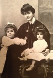 Alma Mahler with daughters Maria and Anna, who became a sculptress and specialized in the human figure in massive form